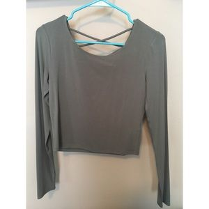 Long sleeve green cropped top